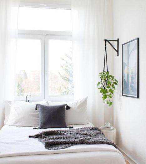 La fenêtre en tête de lit. crédit photo Nonagon style